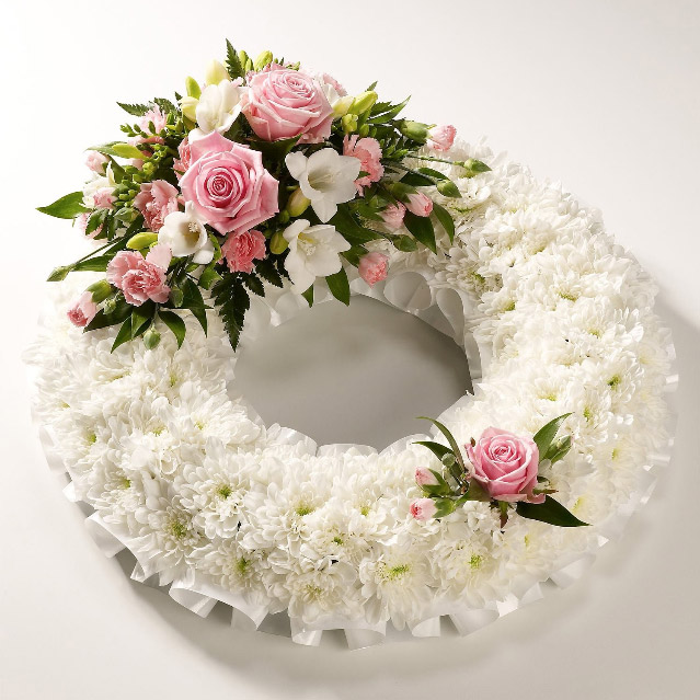 24 inch Based Wreath